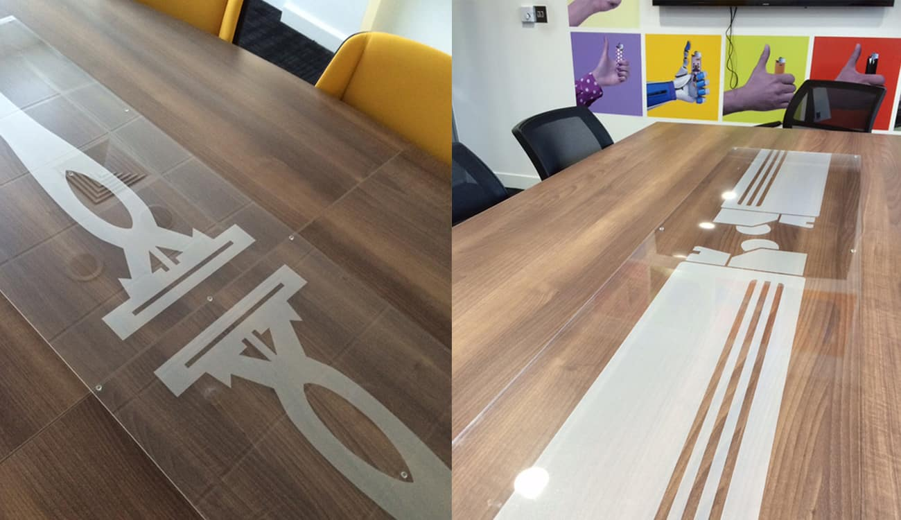 BIC table piece